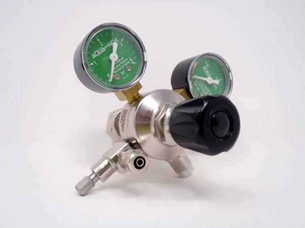 Druckminderer M1 für CO2-Mehrwegflaschen, Vorderseite mt Manometern, Regulierventil für Gebrauchsdruck und Feinnadelventil